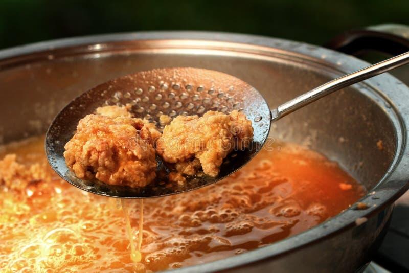 Faire frire le poulet photos stock