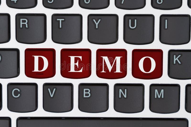 Faire une démo sur l'Internet photo libre de droits