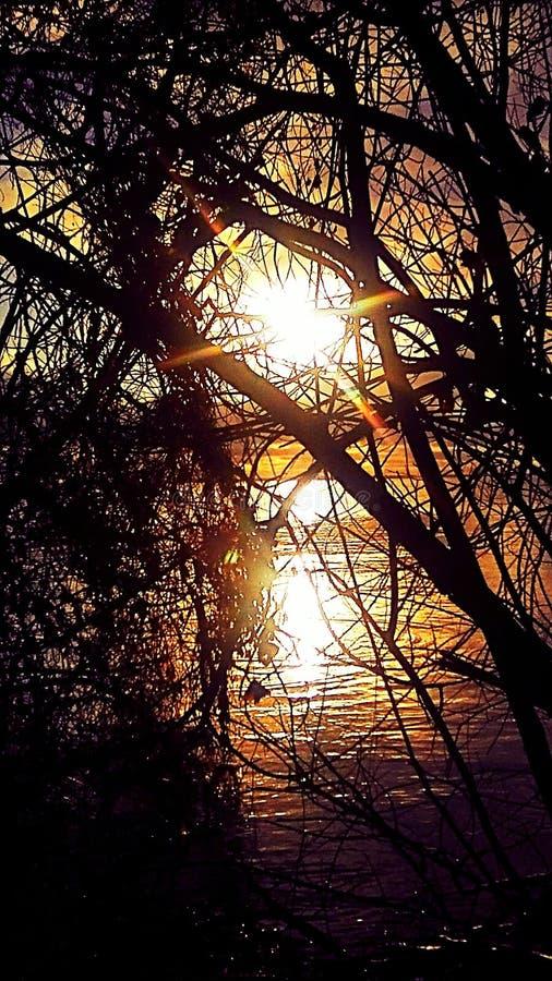 Faire une pointe de lever de soleil images stock
