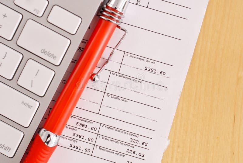 Faire vos impôts image stock