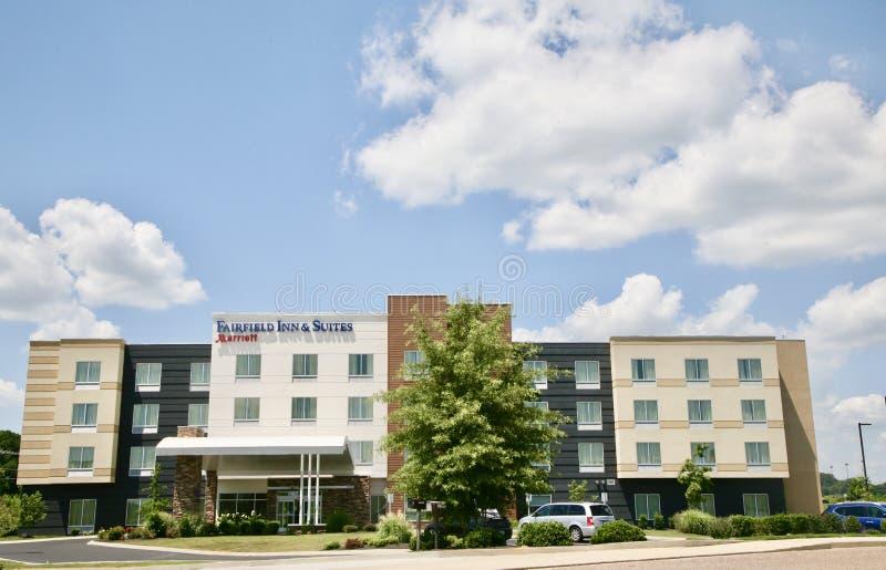 Fairfield-Gasthaus u. -reihen durch Marriot lizenzfreie stockfotografie