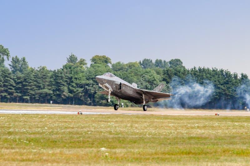 FAIRFORD, HET UK, 13 JULI 2018: Een foto die Lockheed documenteren royalty-vrije stock afbeelding