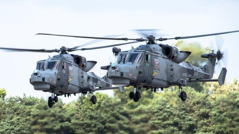 FAIRFORD, REINO UNIDO - 10 DE JULHO: O helicóptero do lince participa ar tatuagem festival aéreo evento no 10 de julho de 2016 in imagem de stock royalty free