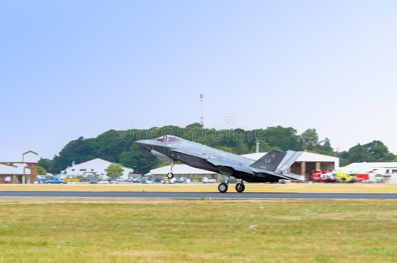 FAIRFORD, REINO UNIDO, EL 13 DE JULIO DE 2018: Una fotografía que documenta a Lockheed foto de archivo libre de regalías