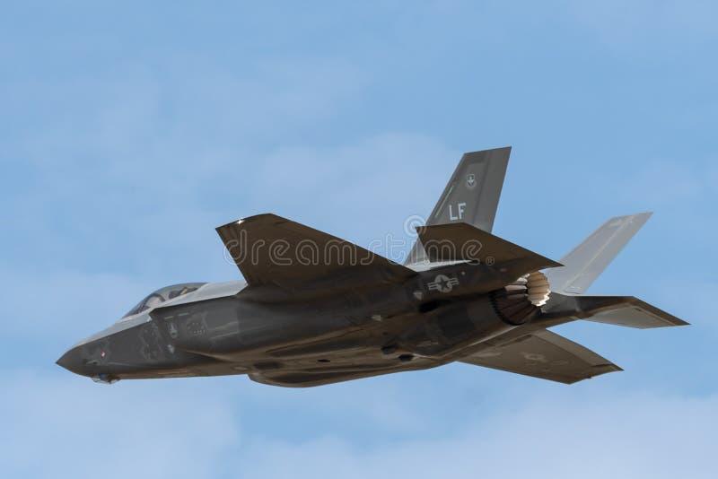 FAIRFORD UK, JULI 13 2018: Ett fotografi som dokumenterar en Lockheed arkivbilder