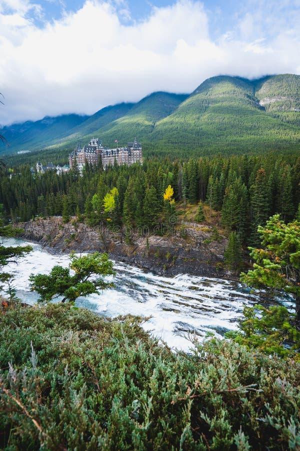 Fairmont Banff Springs encontrado dentro fotografia de stock royalty free