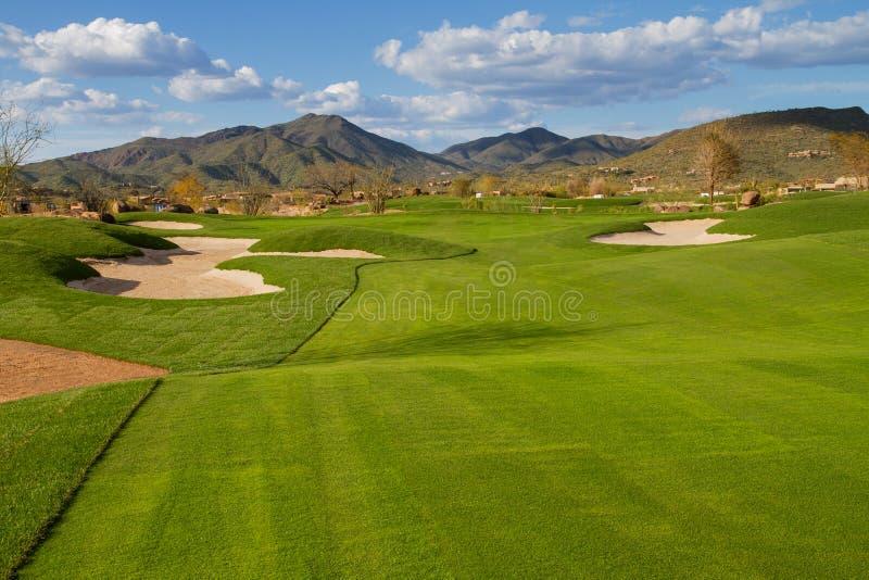 Fairway de terrain de golf de désert de l'Arizona images stock