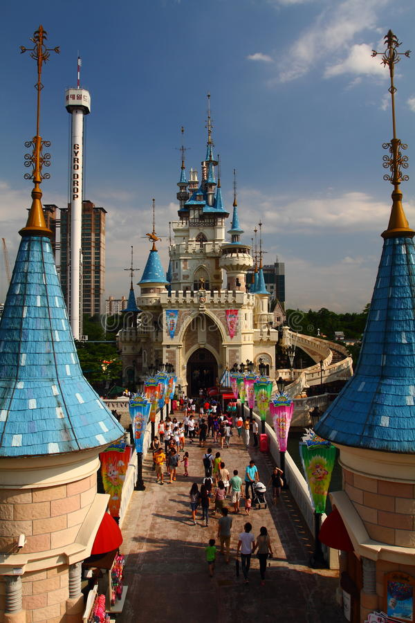 Free Fairy Castle Lotte World Seoul Royalty Free Stock Photography - 40620427