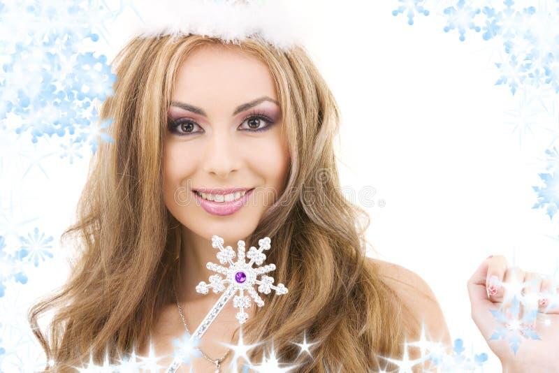 Fairy encantador na coroa com varinha mágica fotos de stock