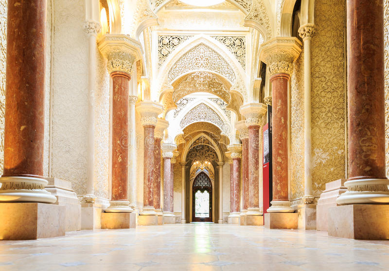 Fairytalegang van Monserrate-Paleis in Sintra royalty-vrije stock foto