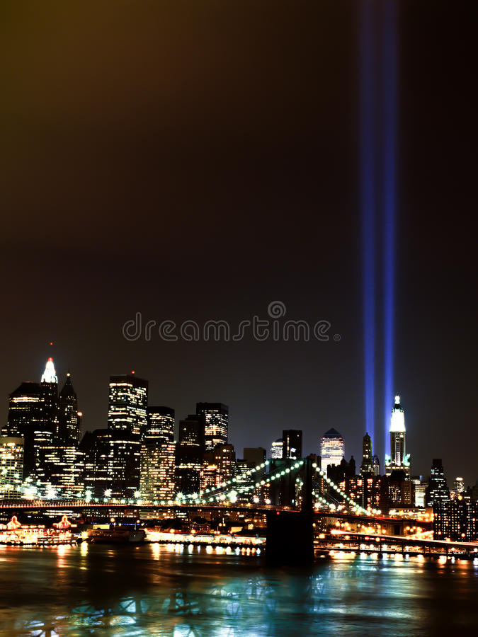 Faisceaux lumineux de World Trade Center 9 / 11 photographie stock libre de droits