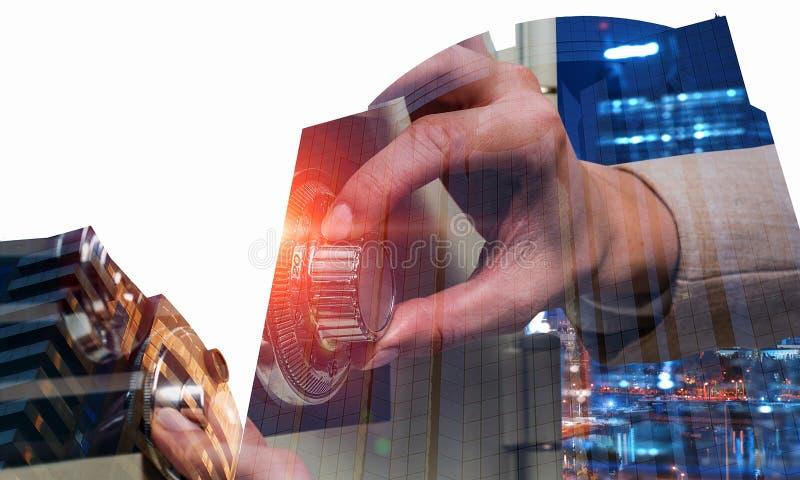 Faites confiance à votre épargne Media mélangé photographie stock libre de droits