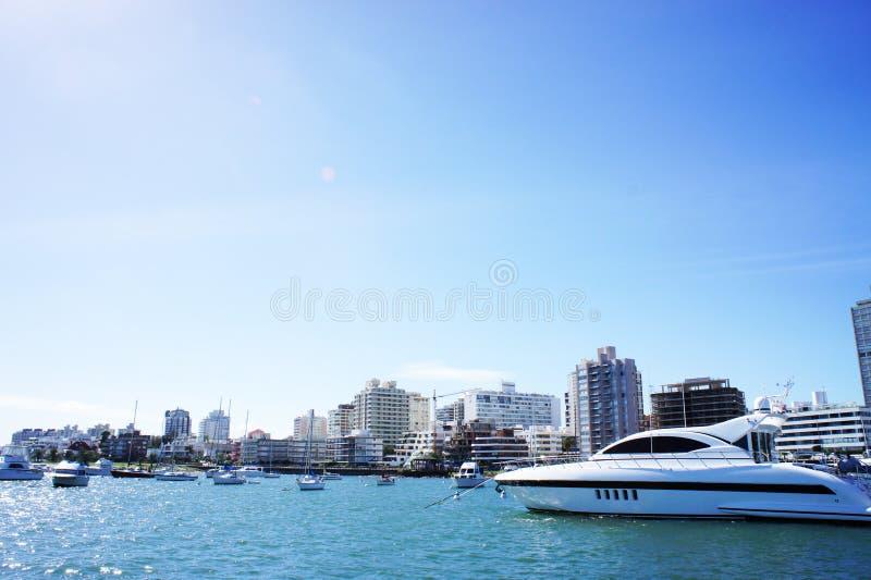 Faites de la navigation de plaisance en Uruguay photo libre de droits