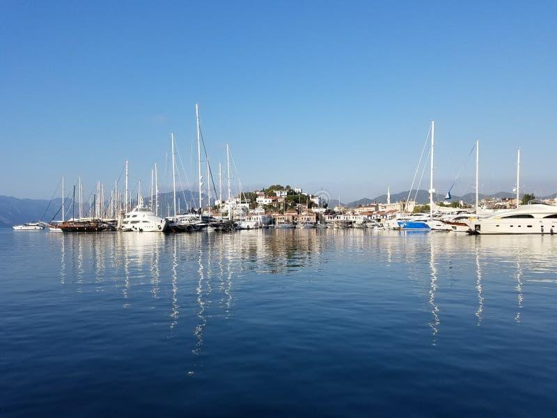 Faites de la navigation de plaisance la marina image libre de droits