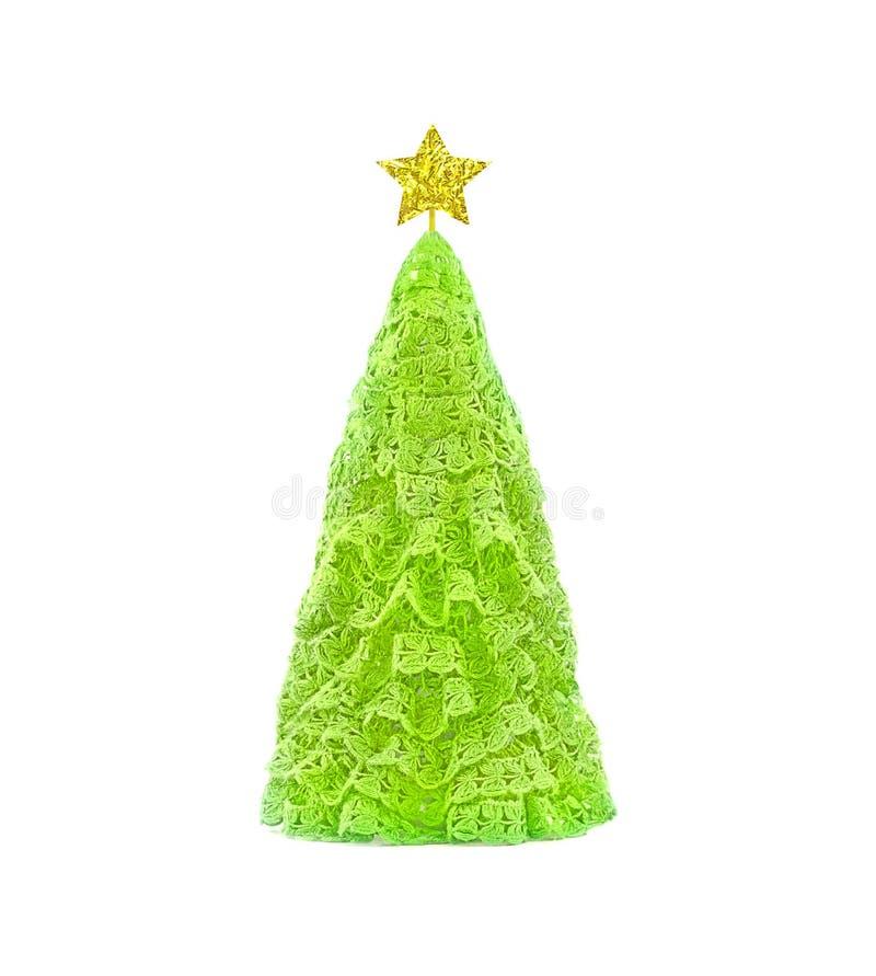 Faites du crochet l'arbre de Noël vert fait de laine de tissu avec l'étoile d'or Concept d'an neuf heureux photos stock