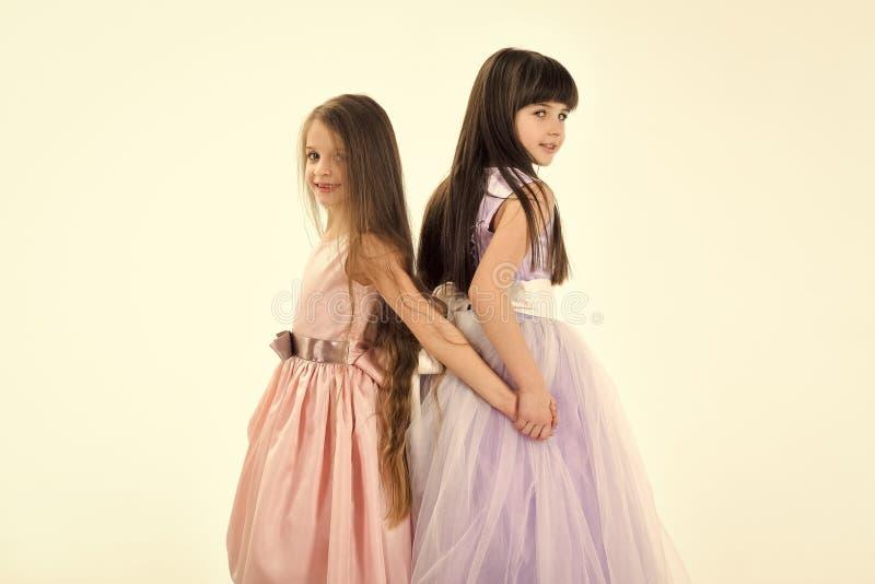 Faites face à la petite fille ou à l'enfant de mode en votre site Web Portrait de visage de petite fille dans de petits enfants d photographie stock