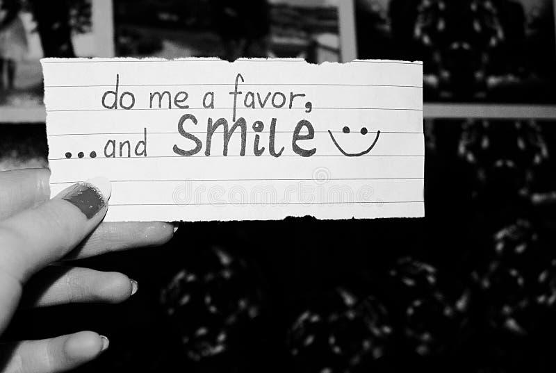Faites-moi une faveur, et souriez ! photos stock