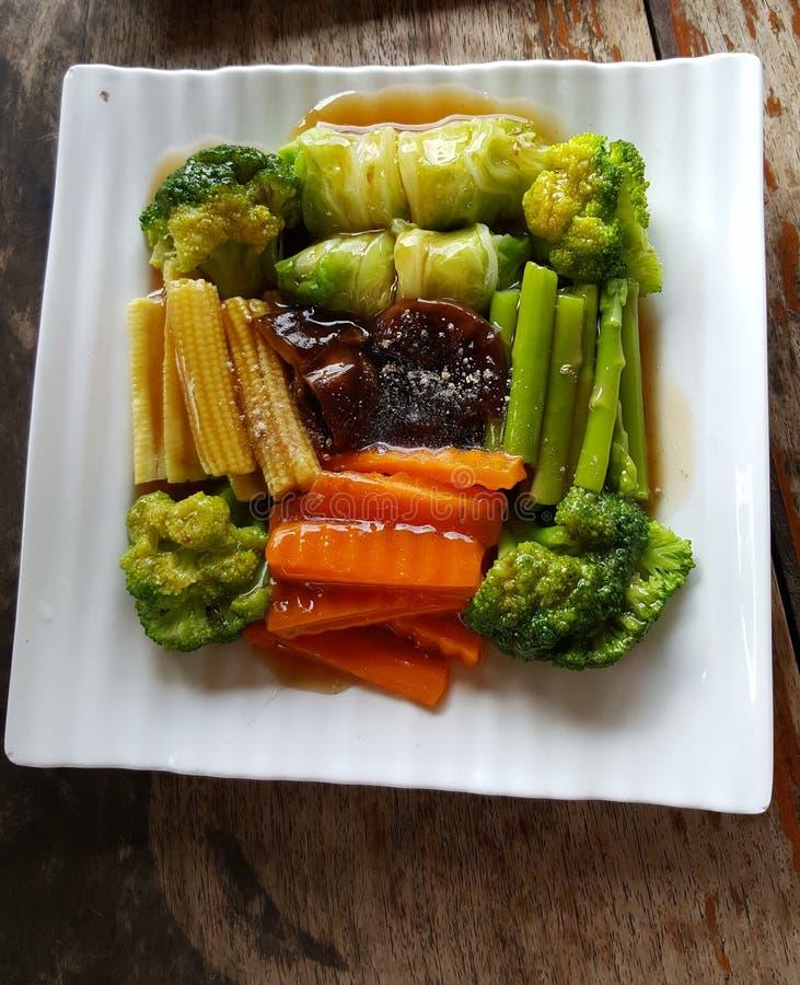 Faites sauter les veggies image libre de droits