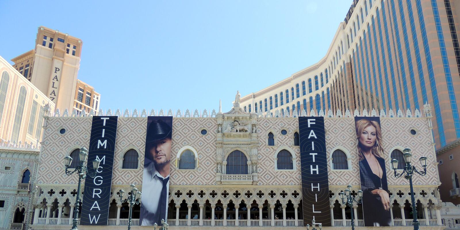 Faith hill and Tim McGraw at the Venetian in las vegas stock photography