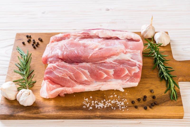 faixa crua da carne de porco fresca foto de stock royalty free