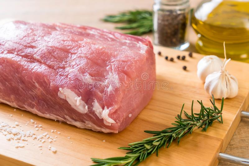 faixa crua da carne de porco fresca foto de stock