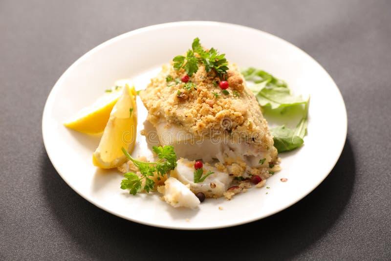 Faixa de peixes cozinhada com crosta foto de stock royalty free