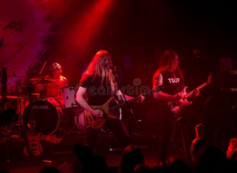 Faixa finlandesa Tarot do metal pesado vivo no estágio imagem de stock royalty free