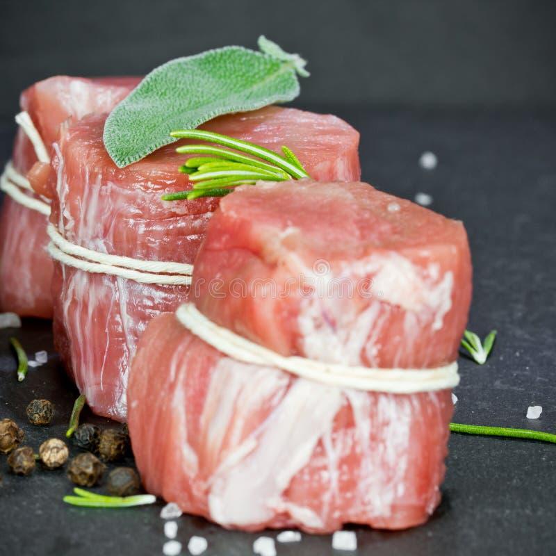 Faixa rara da carne de porco com pimenta imagem de stock