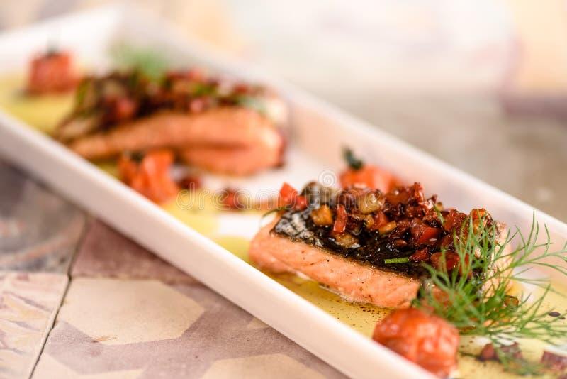 Faixa salmon grelhada fotos de stock royalty free