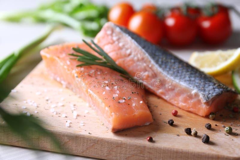 Faixa salmon recentemente posta de conserva fotos de stock