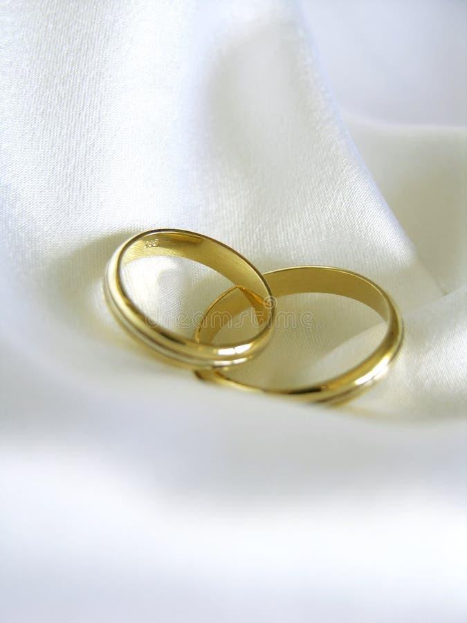 Faixas de casamento imagens de stock