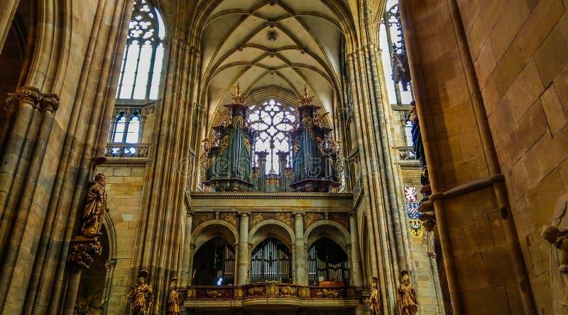 Fajczany organ od Świątobliwej Vitus katedry, Rzymskokatolicka wielkomiejska katedra w Praga zdjęcia royalty free