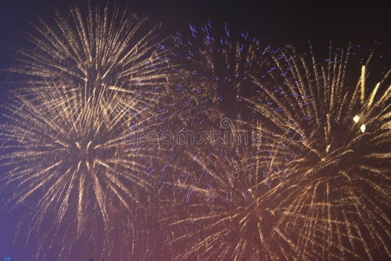 Fajerwerków gody świętujący w Walencja Hiszpania dla FALLAS przy nite pokazem obrazy royalty free