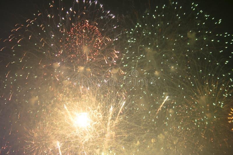 Fajerwerków gody świętujący w Walencja Hiszpania dla FALLAS przy nite pokazem obraz royalty free