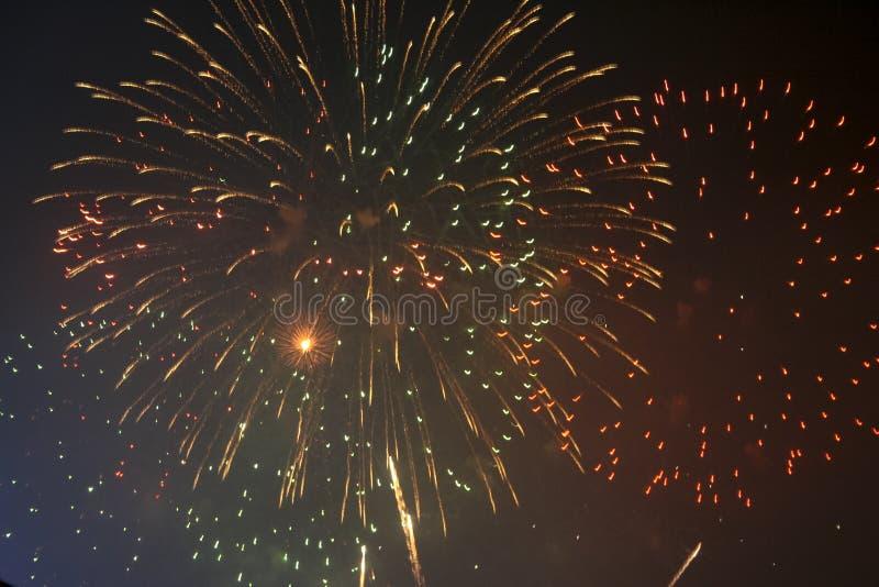Fajerwerków gody świętujący w Walencja Hiszpania dla FALLAS przy nite pokazem zdjęcia royalty free