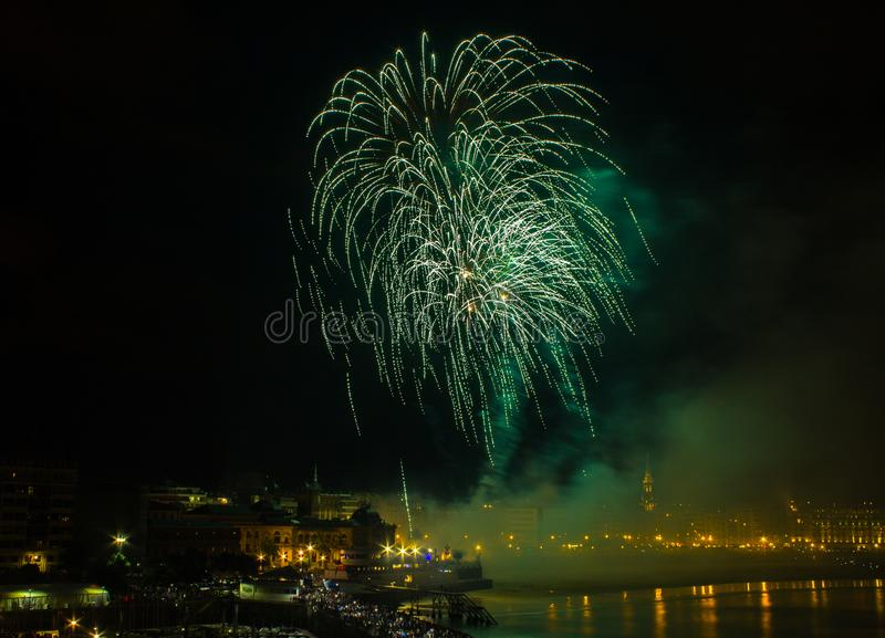 Fajerwerki w San Sebastian w Baskijskim kraju fotografia royalty free
