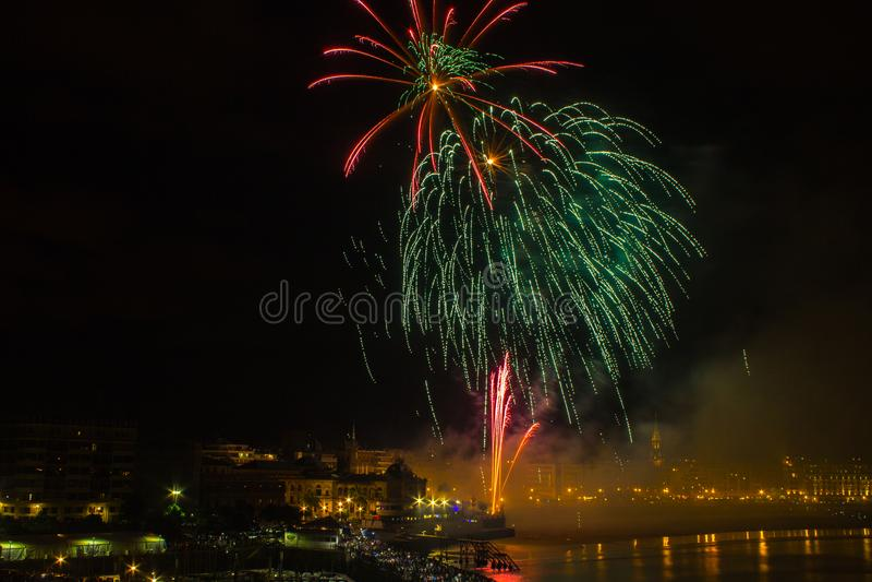 Fajerwerki w San Sebastian w Baskijskim kraju zdjęcia royalty free
