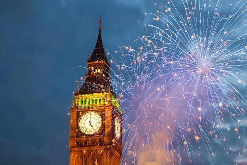 fajerwerki wystawiają wokoło Big Ben zdjęcia royalty free