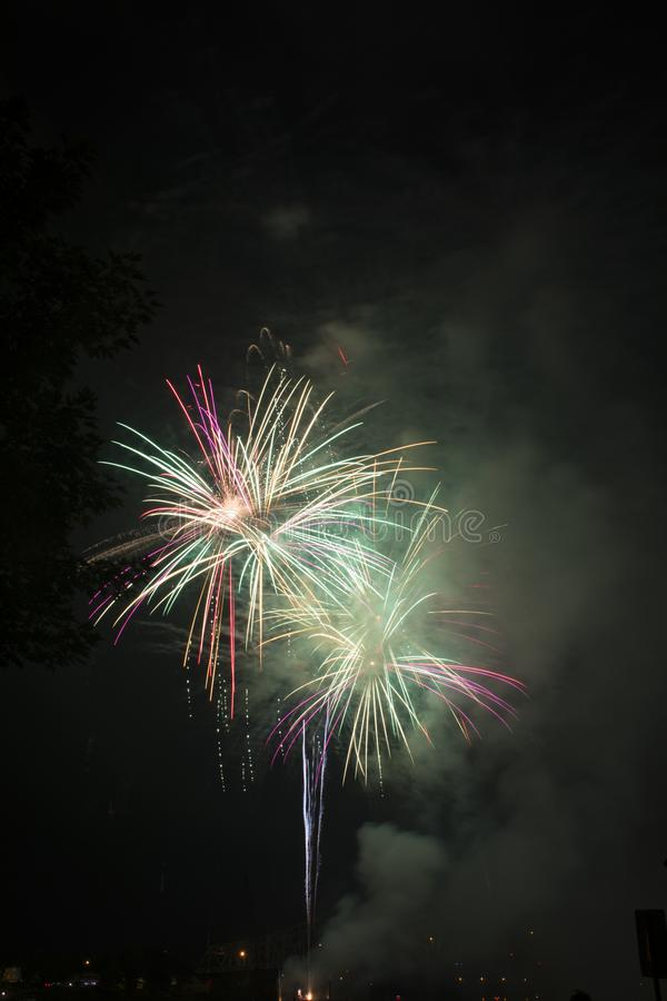 Fajerwerku świętowanie nad rzeką ohio zdjęcia royalty free