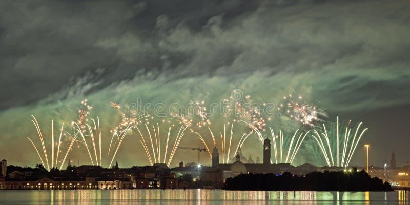 Fajerwerku świętowanie Redentore Wenecja, Włochy (,) obraz stock