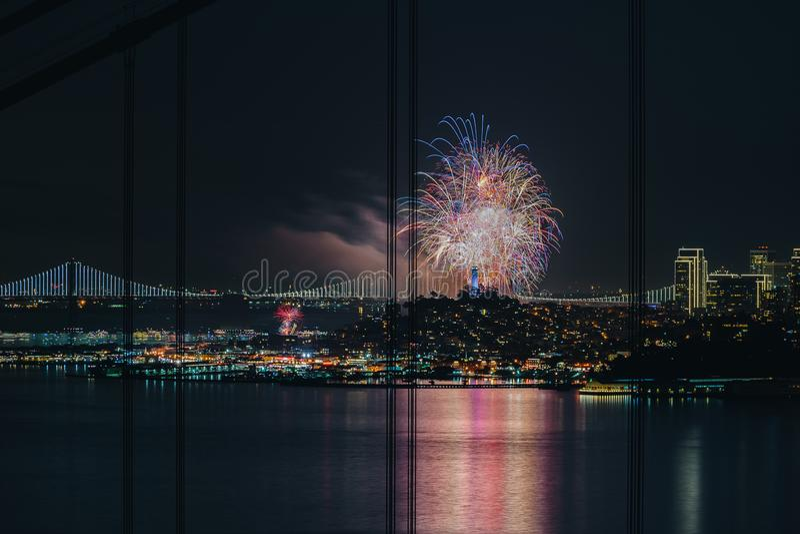 Fajerwerku szczęśliwy nowy rok 2018 @ San Fransisco obrazy stock