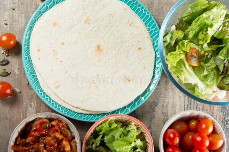 Fajitas con el pollo, cocina mexicana, cocina de Tex-mex fotos de archivo