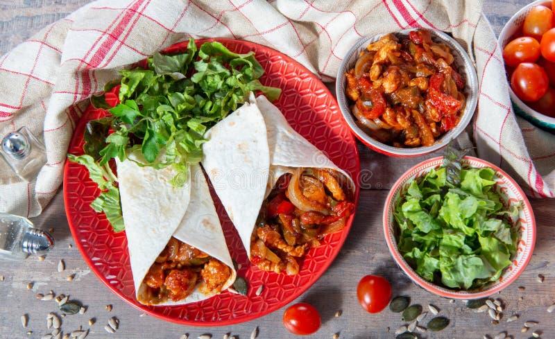 Fajitas con el pollo, cocina mexicana, cocina de Tex-mex fotografía de archivo libre de regalías