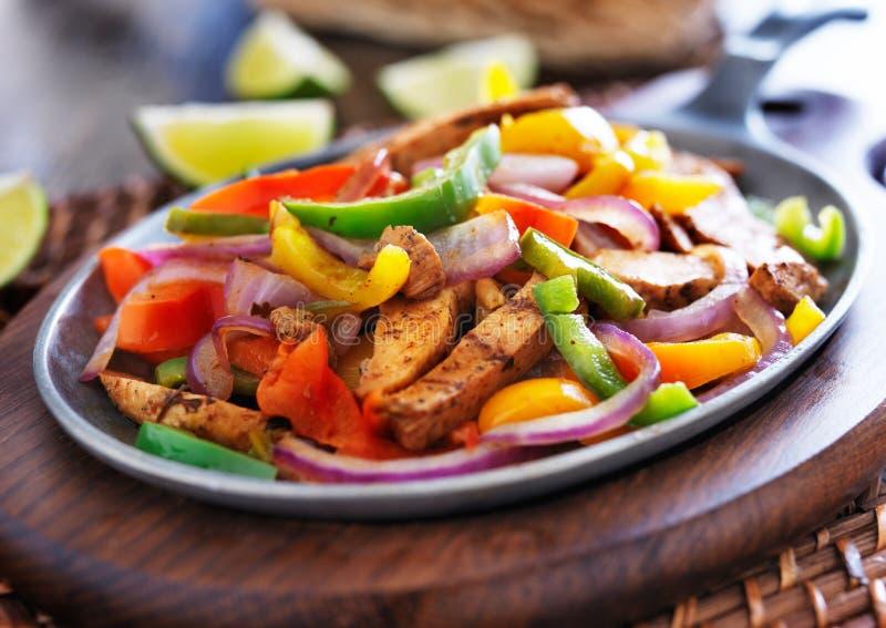 Fajitas mexicanos da galinha imagens de stock