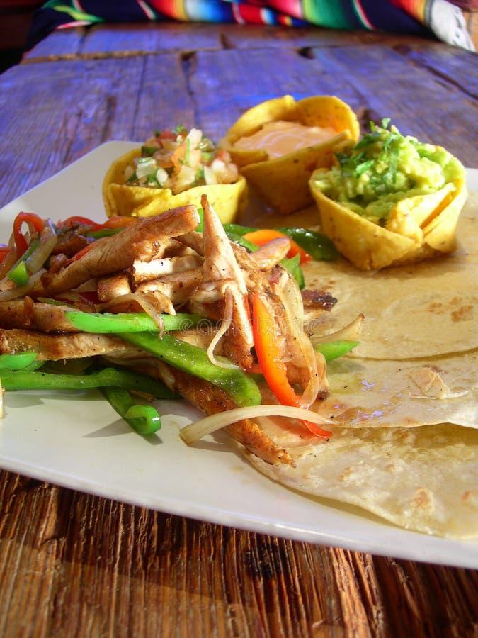 Fajitas mexicanos del pollo imagen de archivo