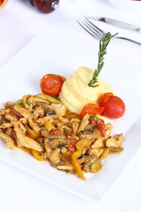 Fajite del pollo con le verdure fotografia stock libera da diritti