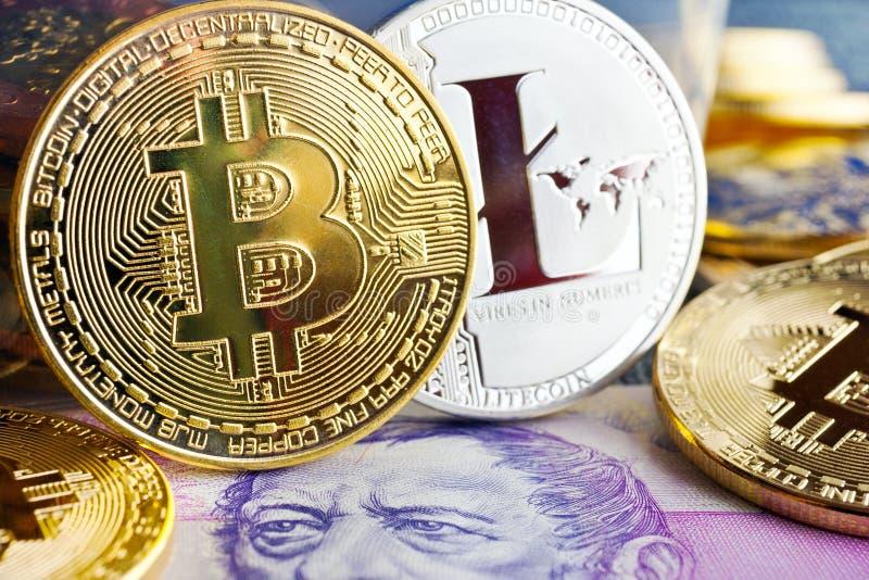 Faktisk cryptocurrency - finansiella teknologi- och internetpengar royaltyfria foton