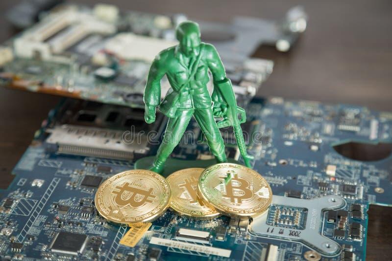 Faktiskt Cryptocurrency Bitcoin begrepp Krigsoldat Protecting D arkivfoton