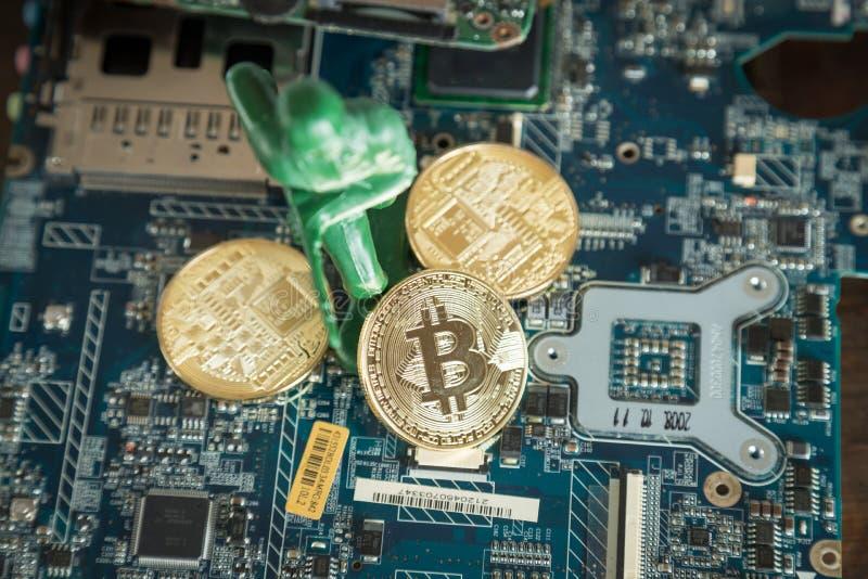 Faktiskt Cryptocurrency Bitcoin begrepp Krigsoldat Protecting D fotografering för bildbyråer