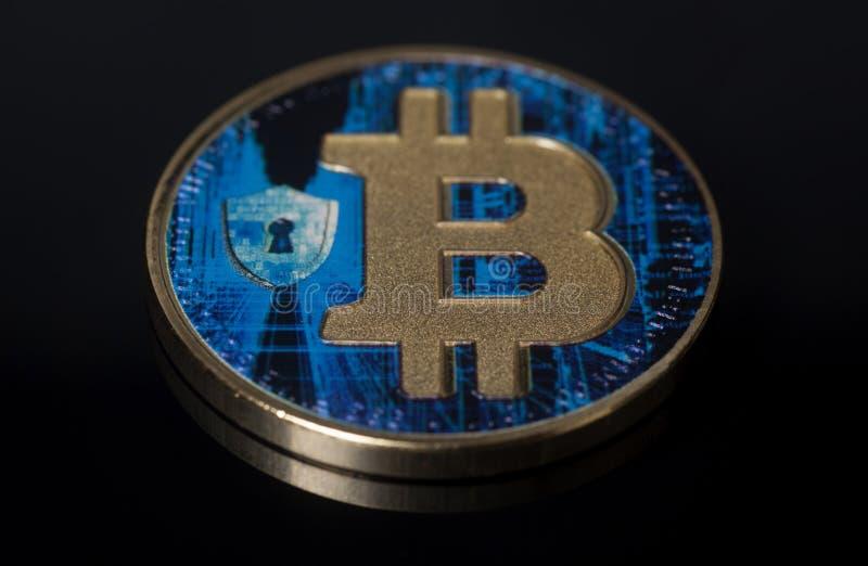 Faktiskt mynt för blå bitcoin arkivfoton